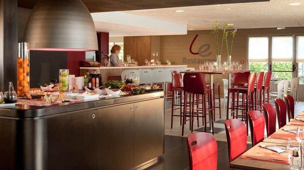 h tel campanille restaurant pnrse. Black Bedroom Furniture Sets. Home Design Ideas